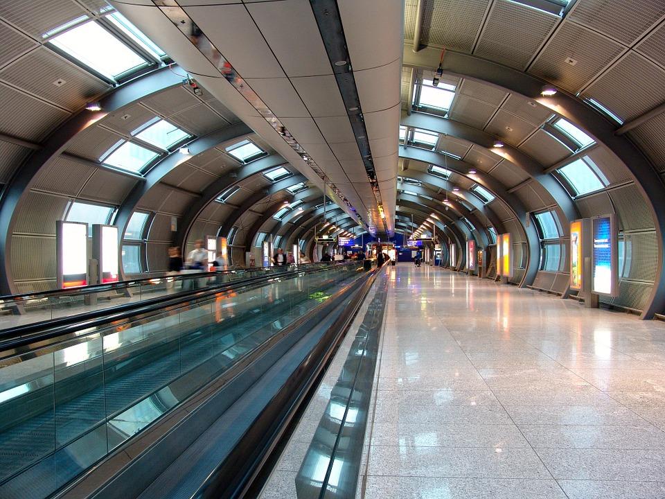 Laufband am Flughafen Frankfurt